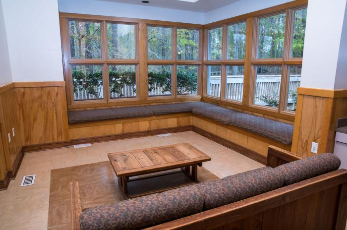 View of the window bay seating nook at the Blue Jay Overnight Lodge