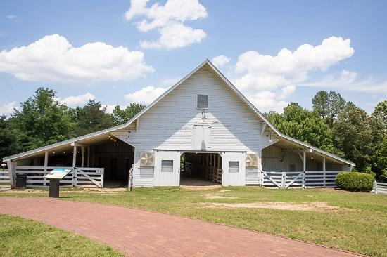 Front view of the Livestock Barn at Oak View, built around 1900