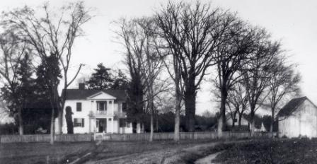 Oak View's main farmhouse in a photo from around 1900