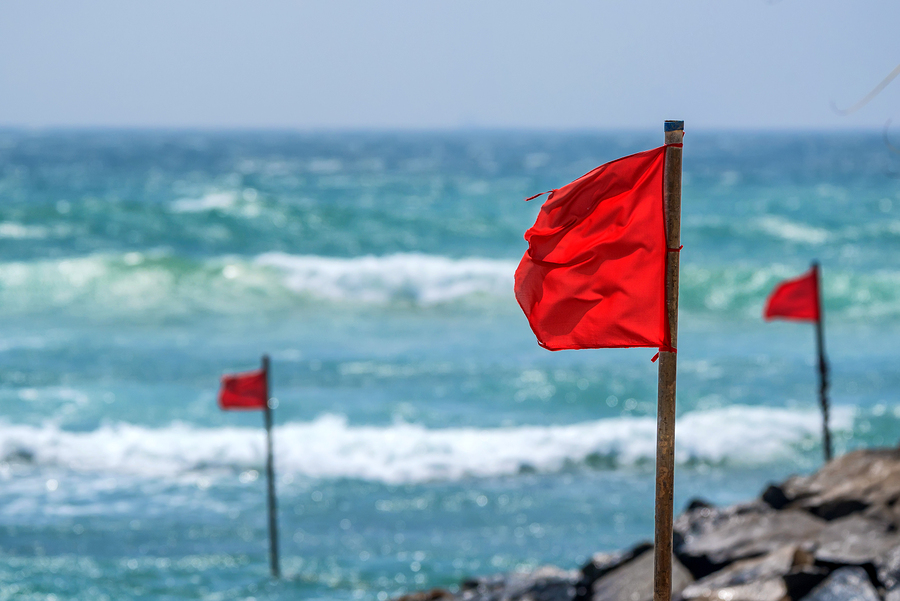 travel housing red flags