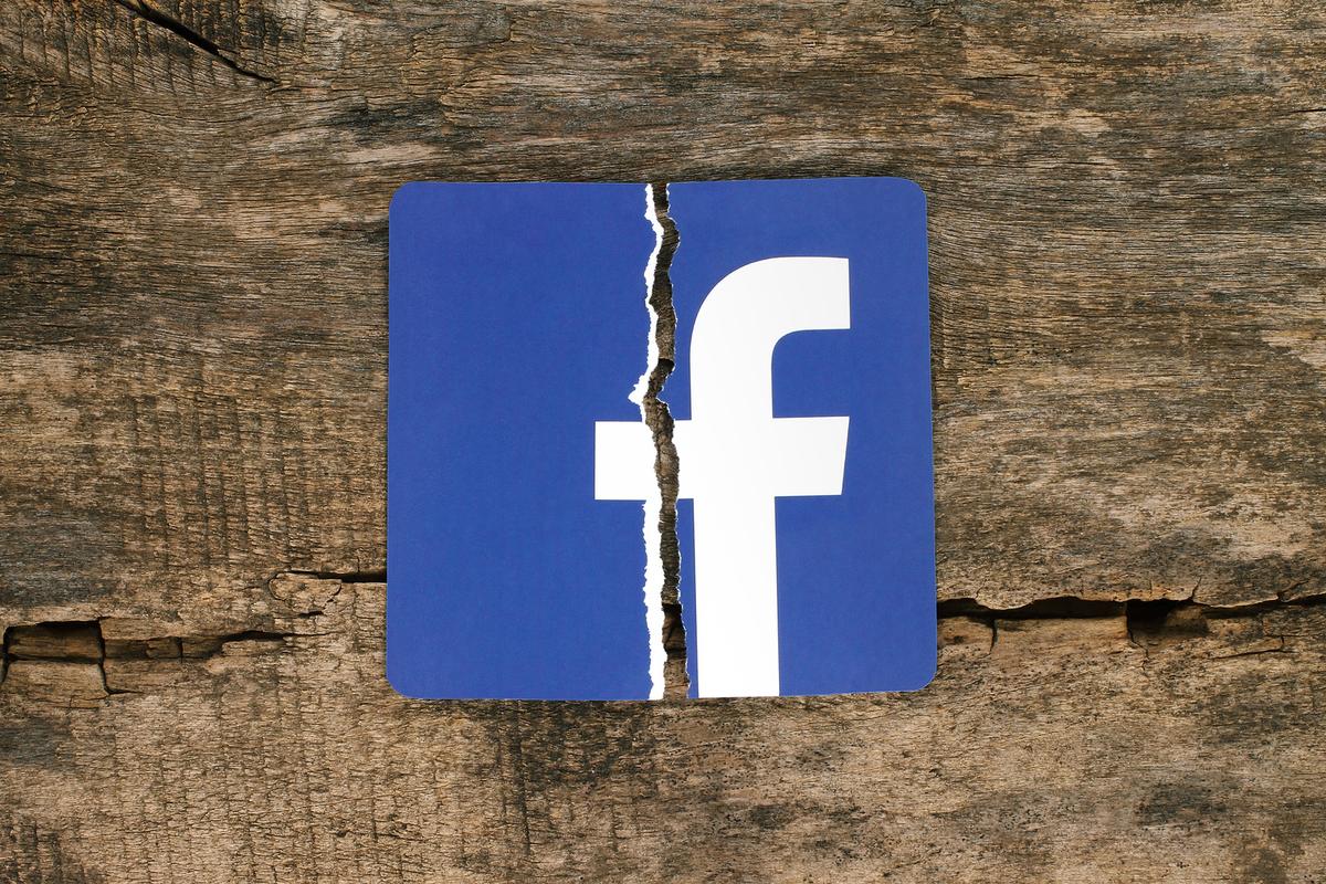 facebook-travel healthcare social media