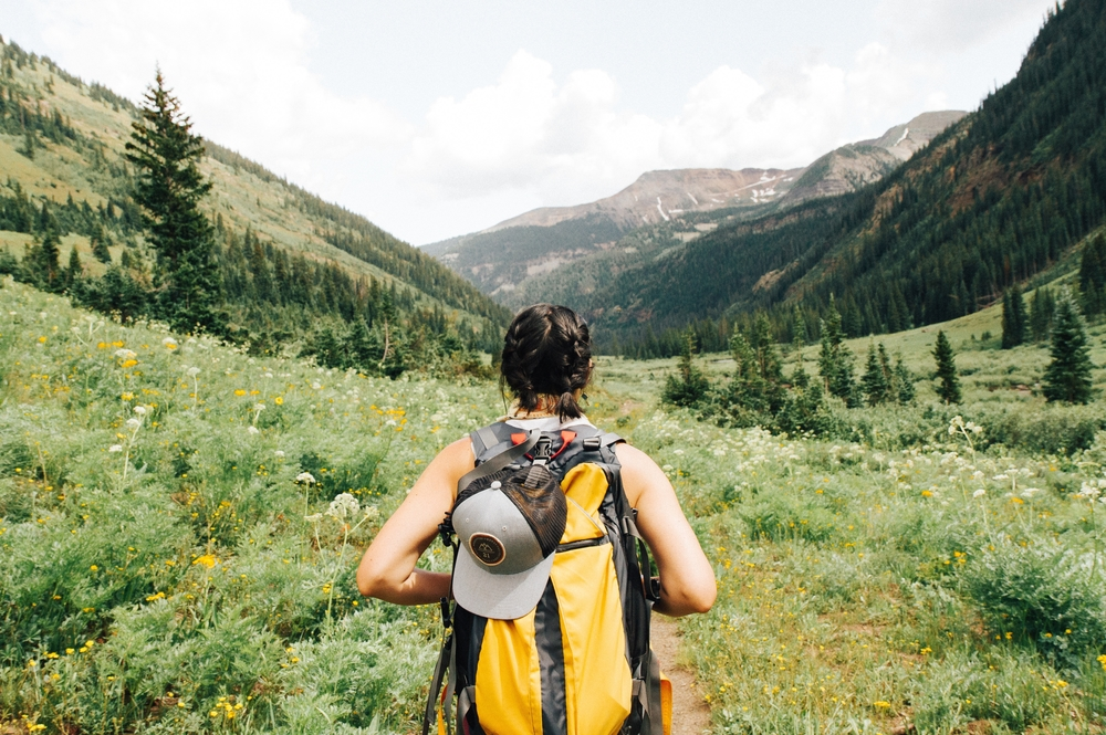 holly-mandarich-hiking-mountians-crested butte-unsplash-travel healthcare jobs may 7