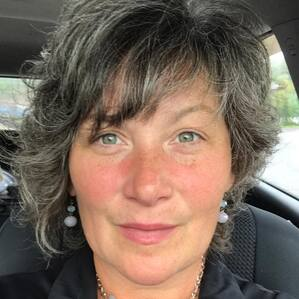 Dana Irvine -  D'Vine Wellness and Wise Divine Women Online Programs