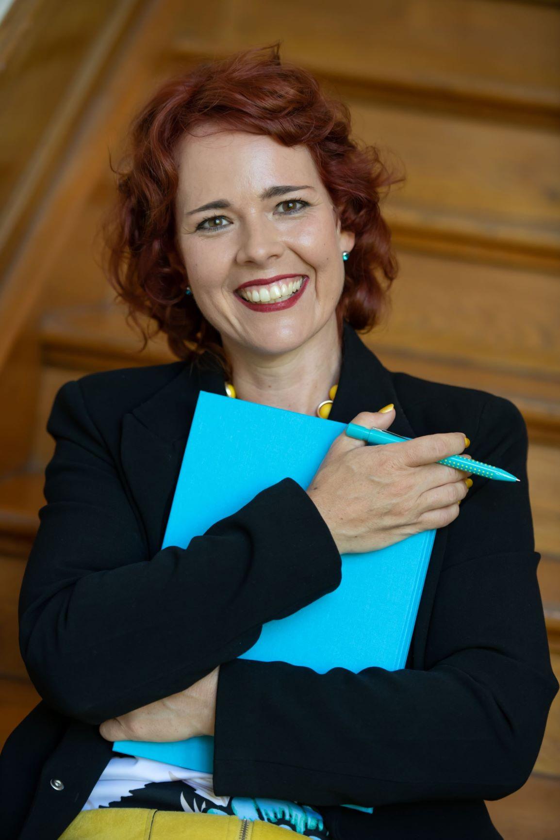 Karen Christine Angermayer - sorriso GmbH Schreiben.Ghostwriting.Verlegen.Vermarkten.